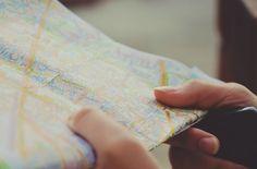 Viajar não é só chegar no destino. A sua viagem começa no planejamento. Aprenda como planejar uma viagem barata e sem perrengues!