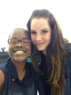 Lana Del Rey with a fan in Ireland #LDR
