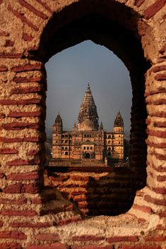 26 Pictures Of India Like You've Never Seen Before - Orchha, Bundelkhand, Madhya Pradesh. Arunachal Pradesh, Madhya Pradesh, Buzzfeed India, Rann Of Kutch, Rainbow Waterfall, Ancient Egyptian Religion, Andaman And Nicobar Islands, Indian Temple, Hampi