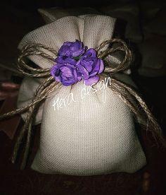 Dokuma kumaştan yapılan çiçekli lavanta keselerimiz... #heradesign #özeltasarım #nikahhediyelikleri #nikahşekeri #nikah #düğün #nişan #wedding #weddingfavors #lavanta #lavantakesesi #lavenderbag #lavender #vintage #kokulukeseler #çiçeklikese