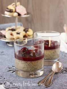 Marzipan-Mousse mit Glühweinkirschen | Marzipan Mousse with Mulled Wine Cherrries