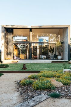Sustainable architecture, or green design, is an approach to building that minimizes the harmful – modern landscape design front yard Design Entrée, Design Styles, Ideas Para El Patio Frontal, Australian Native Garden, Casa Patio, Front Yard Design, Front Yard Landscaping, Landscaping Design, Acreage Landscaping