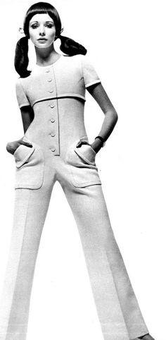 1969 Fashion, 60s And 70s Fashion, Guy Laroche, 60s Style, Vintage Fashion Photography, Black White Fashion, Human Anatomy, Vogue Paris, Fashion History