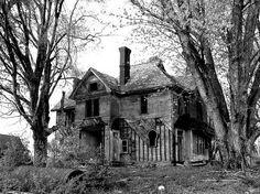 11 Creepy Houses In West Virginia That Look Haunted