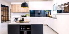 Kitchen Island, Home Decor, Inspiration, Ultra Modern Homes, Stylish Kitchen, Black White, Woodwind Instrument, Island Kitchen, Homemade Home Decor