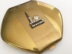 1939 World's Fair New York Vintage Ladies Compact Brass Trylon & Perisphere