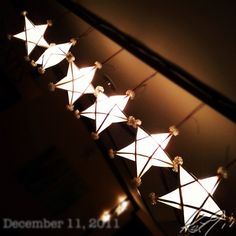 クリスマスライト #philippines #christmas Boys Room Decor, Diy Bedroom Decor, Diy Home Decor, Christmas Night, All Things Christmas, Christmas Ideas, School Decorations, Paper Decorations, Christmas Centerpieces