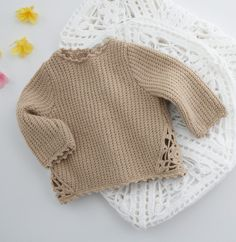 sweater for baby girl Baby Booties Free Pattern, Crochet Socks Pattern, Baby Sweater Patterns, Baby Knitting Patterns, Diy Crafts Knitting, Knitting For Kids, Easy Knitting, Handmade Clothes, Diy Clothes