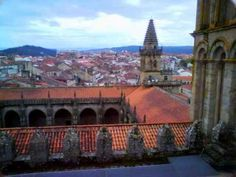 Santiago de Compostela, capital del mundo. - La he visitado tres veces y aún espero una cuarta. Tiene magia.