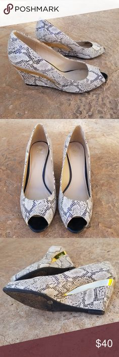 19778cdf94d4 Vince Camuto Valary Snakeskin Peeptoe Wedges 10 Beautiful wedges from Vince  Camuto in a size 10