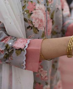 Best 12 Kurti designs for stitch – Page 133700682673498425 – SkillOfKing. Neck Designs For Suits, Sleeves Designs For Dresses, Dress Neck Designs, Sleeve Designs For Kurtis, Neck Design For Kurtis, Salwar Designs, Kurta Designs Women, Kurti Designs Party Wear, Kurti Sleeves Design