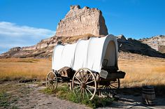 A covered wagon at Scott's Bluff National Monument, Nebraska.