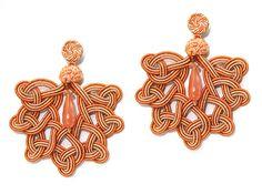 Orange and salmon Foglia earrings with cherry quartz drop and spheres. www.annaealex.com