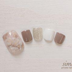 Pin by Felicia Benita on nailart to make in 2019 Korean Nail Art, Korean Nails, Nail Art Designs Videos, Toe Nail Designs, Beige Nails, Kawaii Nails, Feet Nails, Japanese Nails, Minimalist Nails