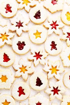 This classic Linzer Cookies recipe can be made with your choice of jam (or lemon curd or Nutella), sandwiched between the most delicious buttery almond shortbread cookies. Perfect for Christmas, Valentines, or any other time you'd like to make these cute cut-out cookies! Gluten-free option included too. | gimmesomeoven.com #linzer #cookies #shortbread #sugar #austrian #jam #christmas #valentines #dessert Cut Out Cookies, Fun Cookies, Holiday Cookies, Crazy Cookies, Linzer Cookies, Buttery Shortbread Cookies, Holiday Baking, Christmas Baking, Merry Christmas