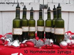 10 homemade coffee syrups are a great homemade Christmas gift and can keep for a couple of months! #christmas #christmasgifts