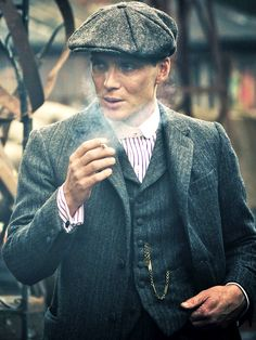 ohfuckyeahcillianmurphy:  You always need to put your stamp on a character, but we were clear from the beginning that they had to be sartorially distinctive. Little things like Tommy wears the collar but without the tie, while some of the others wear a tie or a dicky bow. They don't have that much money, but the money that they do they spend on their clobber. Every actor can really find a character through the costume.~ Cillian Murphy on his Peaky Blinders costume (X)