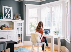 Super Home Office Window Desk Small Spaces Ideas Window Desk, Bay Window Living Room, Desks For Small Spaces, Home Office Decor, Home Decor, Office Setup, Office Workspace, Office Organization, Office Ideas
