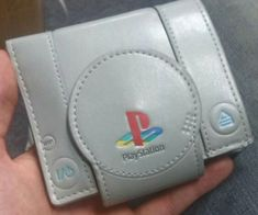 Show off your gamer roots every time you pull out the Sony Playstation wallet to make a purchase. This officially licensed wallet – made from durable PVC and polyester – features a first generation Playstation design that all gamers will love. Playstation Consoles, Play Stations, Nintendo, Wii, Estilo Geek, Retro Videos, Best Wallet, Slim Wallet, Anime Outfits