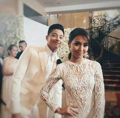 Here's another addition to our growing photobomb series. Feast your eyes on and the Teen King Daniel Padilla. by stylebible. Star Magic Ball, Daniel Padilla, Queen Of Hearts, King Queen, Mom And Dad, Teen, Celebs, Actresses, Wedding Dresses