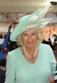 It's all about our lovely, wonderful and adorable Duchess of Cornwall ♥ My name is Tanja, I'm 28 and, obviously, Camilla is my Queen. Spread the Camilla love! Camilla Duchess Of Cornwall, Duchess Of Cambridge, Beautiful Old Woman, Elegant Woman, Flapper Headpiece, Headdress, Derby Outfits, Royal Uk, Camilla Parker Bowles