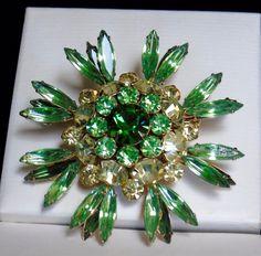 Vintage Stunning Judy Lee Sign Emerald Peridot Citrine Rhinestone 5 Tier Brooch #JudyLee #JudyLeeNavetteChatonRhinestone5TierBrooch