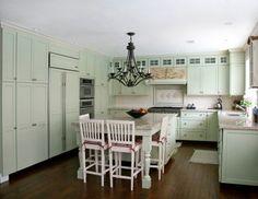 Google Image Result for http://www.cottagehomedecorating.com/images/cottage-kitchen-01.jpg