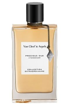 Top notes of this perfume is enriched with sparks of bergamot combined with insolent pink pepper. A heart abounds with jasmine and tuberose petals wrapped in intense incense on a base created of precious woody chords of patchouli, oud, vetiver and sandalwood along with warm amber trail.    Fragrance Van Cleef and Arpels Collection Extraordinaire Precious Oud arrives in a classic flacon...