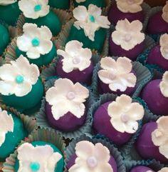 Shabby Chic themed Happy Birthday Cake Bites