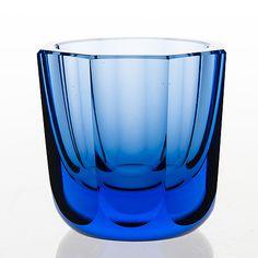 GÖRAN HONGELL, MALJAKKO, signeerattu GH Karhula. - Bukowskis Glass Design, Design Art, Wine Glass, Glass Art, Yves Klein Blue, Bukowski, Pottery Art, Finland, Modern Contemporary