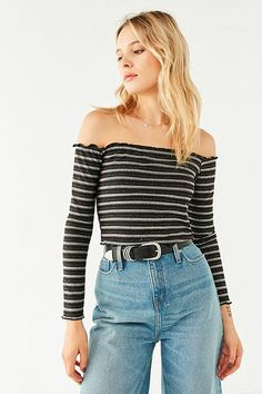 UO Off-The-Shoulder Lettuce-Edge Top
