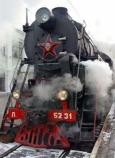 Trans Mongolian train across Russia, Mongolia and China By Train, Train Car, Train Tracks, Zar Nikolaus Ii, Visit Russia, Old Steam Train, Trans Siberian Railway, Bonde, Russian Culture