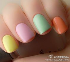 Pastel nails - this mani makes me urn for Spring!