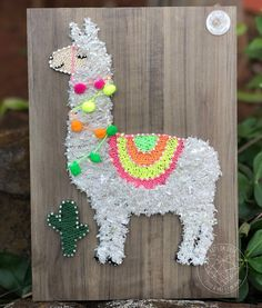 String Wall Art, Nail String Art, Llama Arts, Crafts For Kids, Arts And Crafts, Sewing Crafts, Diy Crafts, String Art Patterns, Pallet Crafts