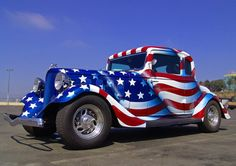 "Americana ""Red, White & Blue"" Wow Now that's a Nice Paint Job! Custom Bikes, Custom Cars, Custom Trucks, Classic Trucks, Classic Cars, Porsche Classic, Hot Rods, Gta, Vintage Cars"