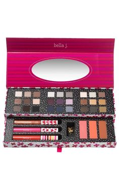 Everything in one palette - Eye, Cheek & Lip by Bella J.