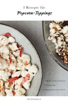 Snackidee: Drei süße Toppings für Popcorn. Selbst in diesen süßen Varianten ist Popcorn eine vergleichsweise gesunde Nascherei. Wir haben gleich drei Rezepte für euch: fruchtige Birkenzucker-Erdbeere, zarte Schokolade und knuspriges Erdnussbutter-Karamel. Snacks, Pasta Salad, Panama, Feta, Cheese, Ethnic Recipes, Blog, Savoury Biscuits, Peanut Butter