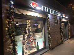 Decorazioni per bar e ristoranti - addobbi natalizi Roma e Lazio. www.laflorealedistefania.it #bar #natale #addobbiroma