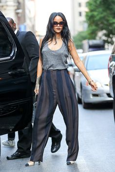 Love this look very dressy casual with the dark lip color