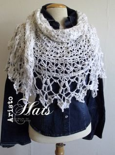 Piquant Shawl Off White