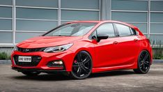 Introduced in 2008 as a replacement for the chevrolet cobalt and its pontiac and saturn ion doppelgangers the cruze is two years into its (. Chevrolet Cruze, Nissan, Chevrolet Cobalt, Automobile Companies, Bentley Mulsanne, Latest Cars, Future Car, Luxury Cars, Dream Cars
