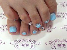 Blue toenails