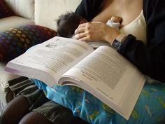 8 cosas que hacer mientras amamantas - Mamá y maestra