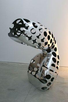 by Ron Arad Galerie D'art Photo, Sculpture Art, Sculptures, Ron Arad, Contemporary Sculpture, Expositions, Art Mural, Ceramics, Organic