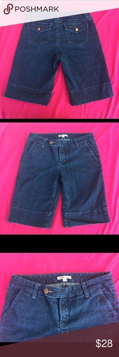 🏝CAbi Denim Jeans Bermuda Shorts SZ 6🏝 Cute Cute Cute CAbi Bermuda Denim Shorts size 6 women's... CAbi Shorts Bermudas