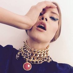 Iulia Albu nu iartă nicio vedetă Beauty Room, Chain, Jewelry, Outfit, Instagram, Style, Fashion, Outfits, Swag