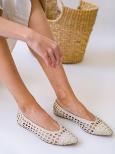 Hippie Vibes, Best Flats, Gold Rate, Work Attire, Fashion Outfits, Womens Fashion, Espadrilles, Hand Weaving, Ivory