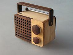 Magno wooden radio - Eco Design - Distributor for Europe / Importeur - Singgih Kartono