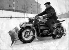 THIS is what we need today! #snow #motorcycle #plow #WTH