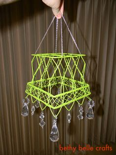 Pottery Barn-Inspired Chandelier from Bethy Belle Crafts - Positively Splendid {Crafts, Sewing, Recipes and Home Decor} Yarn Crafts, Sewing Crafts, Diy Crafts, Pottery Barn Inspired, Pottery Barn Kids, Design Jardin, Garden Route, Mini Chandelier, Homemade Gifts